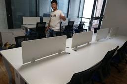 郑州郑东新区绿地之窗客户摆放图片